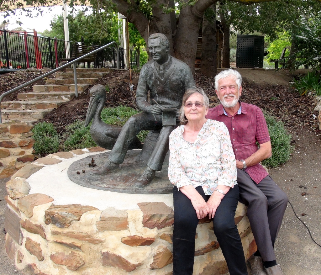 Janne & Jeff Minge with the Colin Thiele Sculpture on Colin's 100th Birthday Anniversary Photo Peter Herriman